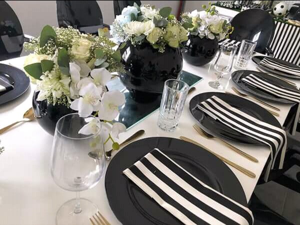 Black And White Table Decor For Umembeso