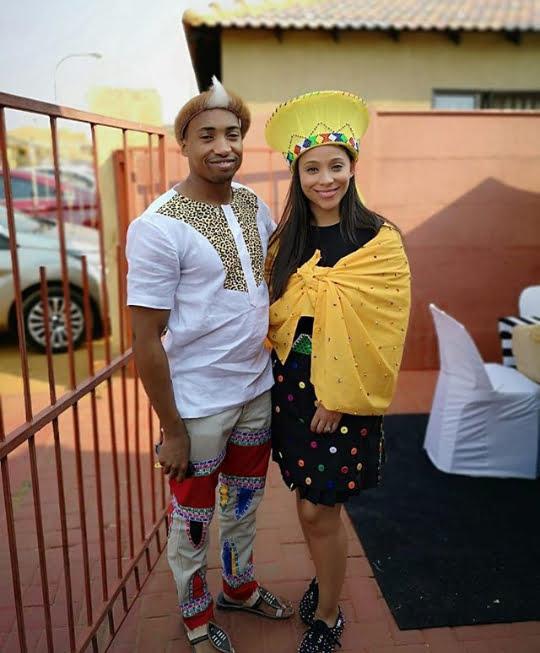 Couple In Zulu Umembeso Traditional Attire , Clipkulture
