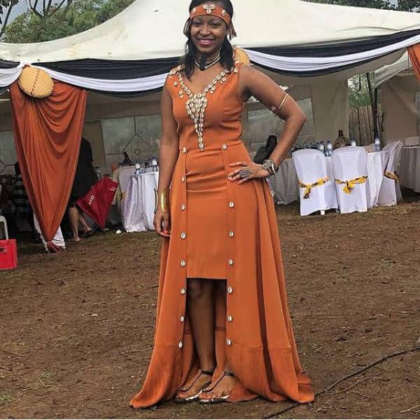 lady wearing an african wedding dress