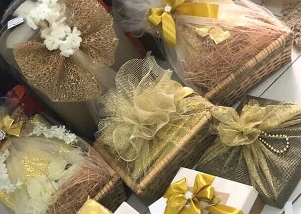 Ideas For Wrapping Wedding Gifts: Traditional Engagement Gift Wrapping