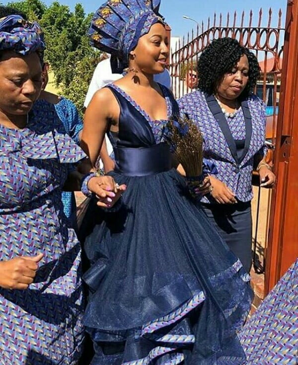 Celebrity Wedding Outfits 2019: Bride In Stylish Shweshwe Traditional Wedding Dress With